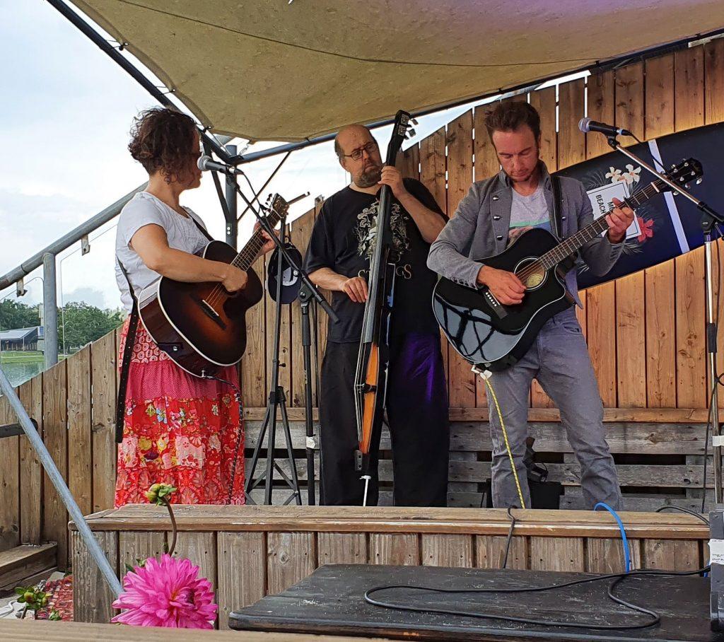 DeeDots auf dem Beach Acoustic Festival 2020